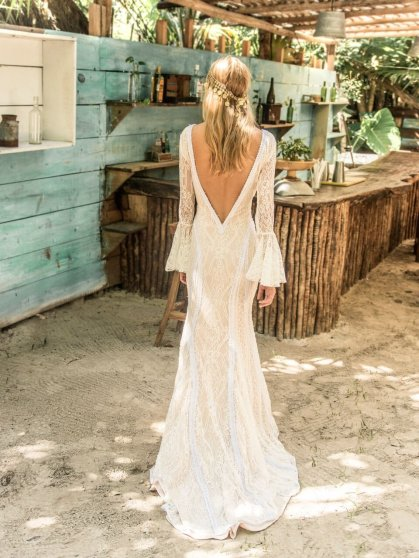 island_tribe_La_jolla_wedding_ace_dess_sexy_back_2048x2048